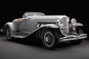 Xe 83 năm tuổi của Mỹ bán giá 22 triệu USD