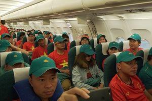Chuyến bay chở những niềm tin 'Việt Nam vô địch'