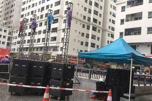 Chung cư vạn dân ở Hà Nội thuê màn hình LED cỡ lớn cổ vũ U23 Việt Nam