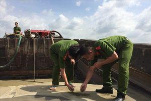 Bắt vụ khai thác cát lậu lớn trên sông Đồng Nai