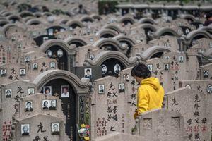 Đất nghĩa trang quá đắt, người Trung Quốc mua căn hộ thay thế