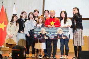 Người Việt ở Hàn Quốc sôi sục ủng hộ đội nhà