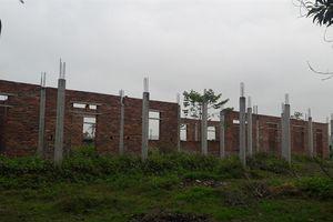 Trường học xây dở nhiều năm nay