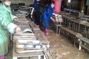 Sơn La:Trường học ngập trong bùn đất, giáo viên,học sinh sơ tán gấp