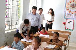Thầy trò vùng lũ Lai Châu vượt khó chuẩn bị cho năm học mới
