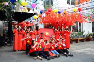 Tour 'đi về trong ngày' cổ vũ đội tuyển Olympic Việt Nam tăng đột biến