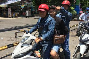Hai cô gái bị thanh niên 'mạng' lừa lấy xe máy