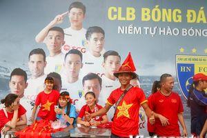 Quê nhà rực lửa tiếp sức cho tuyển Olympic Việt Nam đối đầu Hàn Quốc
