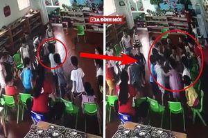 Clip cô giáo mầm non thờ ơ nhìn hàng chục trẻ lao vào đánh bạn cùng lớp