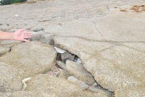 Hà Tĩnh: Đê biển Cẩm Nhượng có nguy cơ xói lở, sụt lún nghiêm trọng