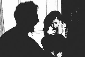 Khởi tố gã dượng rể dâm ô cháu gái 10 tuổi