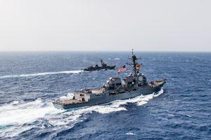 Hải quân Mỹ chặn thuyền chở hàng ngàn vũ khí ở Vịnh Aden