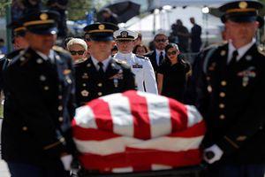 Xúc động lễ tưởng niệm Thượng nghị sĩ John McCain tại Arizona