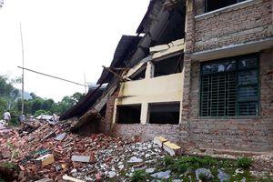 Thanh Hóa: Hai ngôi trường đổ sập trước năm học mới