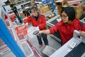 Hãng Trung Quốc nhờ Google, Amazon giúp xây đế chế thương mại toàn cầu