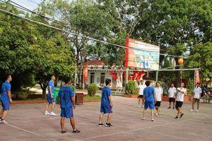Huyện đoàn Phú Xuyên tổ chức giải bóng chuyền hơi chào mừng Quốc Khánh
