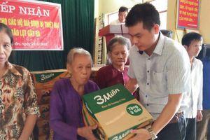 Công ty Truyền thông Reporter VN trao 200 phần quà hỗ trợ người dân Nghệ An bị thiệt hại do bão số 4