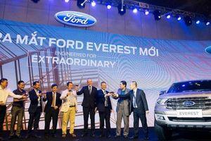 Ford Everest mới gây bất ngờ với giá bán thấp hơn phiên bản cũ 500 triệu đồng