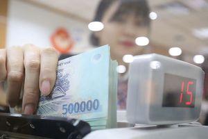 Khó nới room tín dụng: Ngân hàng không lo hụt lợi nhuận cuối năm