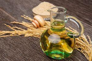4 lợi ích của dầu gạo được lòng người nội trợ