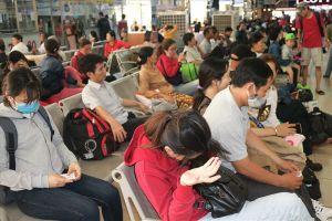 Hàng nghìn người bắt đầu đổ về các bến xe ở TP.HCM để nghỉ lễ 2.9