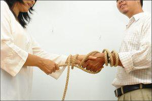 Một cuộc hôn nhân không tin cậy, không tình yêu thì nó sẽ như thế nào?