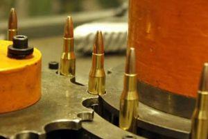 Khám phá xưởng sản xuất đạn 96 năm tuổi của Mỹ