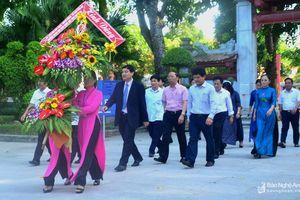 Bí thư Tỉnh ủy dâng hoa, dâng hương tại Khu Di tích Kim Liên