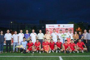 Giao lưu bóng đá chào mừng những ngày lễ lớn của ngành, đất nước