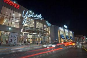 Trung tâm thương mại lớn nhất Canada phải sơ tán do nổ súng