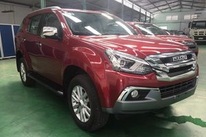 Isuzu MU-X động cơ mới về Việt Nam, tuyên chiến Toyota Fortuner