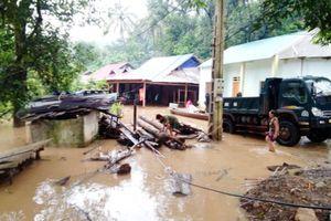 Nghệ An: Mưa lũ diễn biến phức tạp, hàng trăm nhà dân phải di dời khẩn cấp