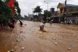 Lũ lớn càn quét gây thiệt hại nặng nề tại Sơn La, Hòa Bình