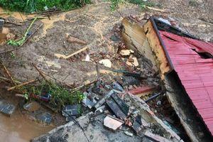 Huyện Quan Hóa gấp rút bố trí nơi học tập cho các em học sinh các trường học bị sập
