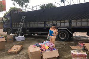 Thanh Hóa: Bắt giữ xe tải đang vận chuyển lượng lớn đồ chơi trẻ em lậu