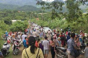 Hàng trăm người hoảng loạn chạy lên núi trước tin đồn vỡ đập thủy điện lớn nhất Nghệ An