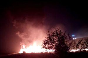 Trượt khỏi đường băng, máy bay chở 170 người của Nga bốc cháy dữ dội