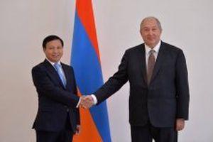 Đại sứ Việt Nam trình Quốc thư lên Tổng thống Cộng hòa Armenia