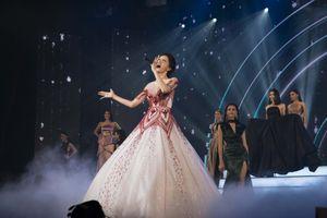 Hương Giang tự tin biểu diễn trong chung kết Hoa hậu Chuyển giới Thái Lan 2018