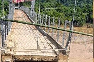 Nghệ An: Đường lên cầu treo Chôm Lôm bị cuốn trôi, 500 hộ dân bị cô lập