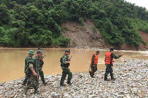Bộ đội nước bạn Lào chúc mừng BĐBP Nghệ An nhân dịp Quốc khánh nước CHXHCN Việt Nam