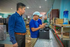 1 vòng nhà máy sản xuất loa Karaoke thương hiệu Việt 15 năm tuổi