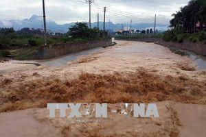 Hòa Bình khẩn trương khắc phục hậu quả mưa lũ, bảo vệ đê điều, hồ đập