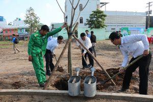 Sở GTVT TP.HCM trồng 100 cây xanh dịp lễ Quốc khánh 2/9