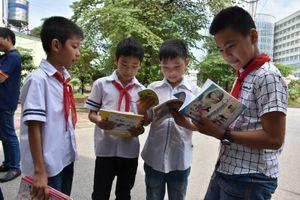 Mùa tựu trường: Ghi nhận ở 'làng' công nhân