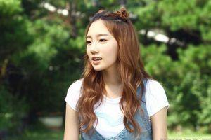 'Đào mộ' những bức ảnh thuở mới vào nghề của Taeyeon (SNSD), fan ôm tim xúc động