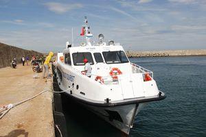 Quảng Trị: Tiếp nhận và đưa vào sử dụng tàu vận chuyển hành khách ra đảo Cồn Cỏ