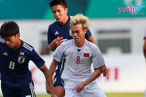 Việt Nam 1-1 UAE: Văn Quyết chấn thương rời sân