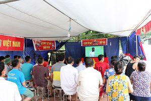 Mẹ cầu thủ Quang Hải lo lắng trước trận cầu lịch sử của Olympic Việt Nam
