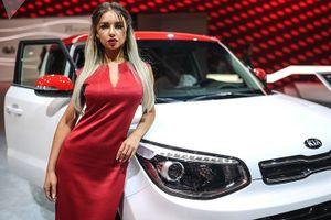 Dàn người mẫu PG gợi cảm khoe dáng nuột tại triển lãm ô tô MIAS